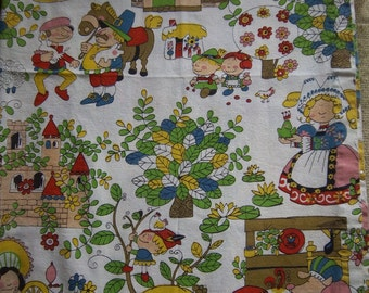 "Pair Children's Nursery Rhyme Curtains Fabric 41"" x 33 1/2"""