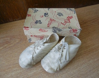 Vintage Baby Leather Bootie Shoes Sz 2 in Orig Box
