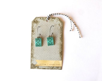 The TRIBAL aztec small dangle detailed handpainted earring