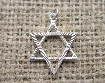 Vintage Sterling silver large diamond cut Star of David charm/pendant