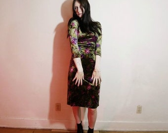90s Green and pink floral velvet dress by Betsey Johnson size M