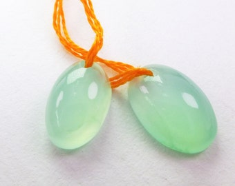 Chrysoprase Cabochon Bead. Natural Gemstone Pendants. Oval Smooth Cab. 2 pc. 4.85 cts. 8x11 and 7x11 mm  (CH479)