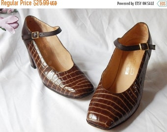 LABOR DAY SALE Vintage Authentic Francesco Bessi ~Croc Leather ~ Brown Leather High Heel~ Mary Janes~ Size 5 Stunners