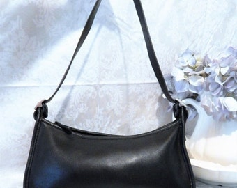 DISCOUNTED Sleek Authentic Vintage COACH ~Rich Black Leather ~Mid size Shoulder Bag Tote Made in the USA