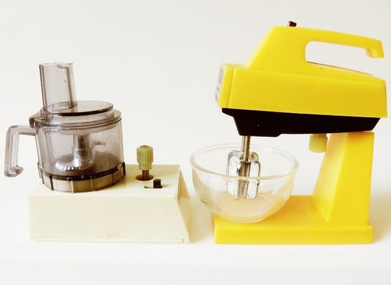 Toy Food Processor : Wind up toy food processor mixer vintage dollhouse