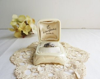 ON SALE Vintage Antique Ring Presentation Box  - Pearly Off White Cream Art Deco - Valentine's Day Proposal