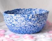 Blue Gift Basket, Blue Yarn Bowl, Lovely Cornflower Blue Bowl, Decorative Basket, Napkin Holder, Picnic Basket, Bath Towel Holder,
