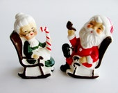 Vintage Christmas Salt And Pepper Shakers Mr. And Mrs. Santa Claus 8139 Holiday Table Decoration