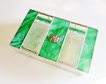 Stained Glass Jewelry Box 6x10x3 Green Clear Daisy Floral Glass Art Noveau Lily Garden Motif Removable Tray Sectioned Bottom Christmas OOAK