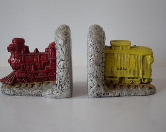 Retro Train Bookends - Vintage Railroad Decor - Red Engine and Yellow Caboose - Green Bay and Western Railroad - Engine 309