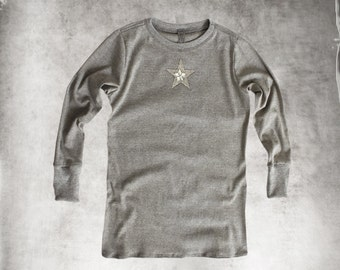 Star top gray/Women tee long sleeve/knit top crew/Pull over top celestial