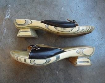 SALE Vtg Vis a Vie Funky Retro Wooden Clog Sandals Size 7