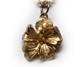 14K Yellow Gold Small Pendant/Charm Flower