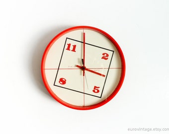 Vintage 70s Kitchen Wall Clock Red Orange 70s