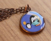 Penguins necklace - Medium resin pendant with cute penguin family and antique copper chain - Perfect for both adults and children
