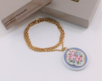 Vintage 1989 Signed Avon Porcelain Bouquet Cameo Pendant Gold Tone Rope Twist Chain Traditional Cottage Chic Necklace in Original Box NIB