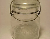 c1920s KING Smalley Pint Size Canning Fruit Jar Boston, Mass., with bail clamp and glass lid No. 3