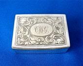 """SILVERPLATE PILL BOX Art Nouveau Square Shape Oval Monogram """"C W G"""" Fancy Script Good Closure Unisex Pill Case Bonbonniere English 1920-40's"""