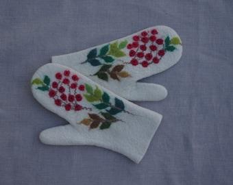 Felted mittens Merino Wool White
