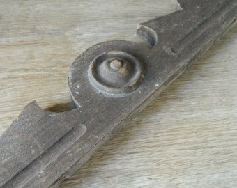 Antique Wood Header. Architectural Salvage. Weathered. Shabby Cottage Decor. Victorian.