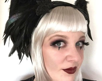 Gothic fascinator with wings