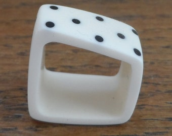 resin ring - white square ring with black dots