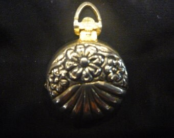 Vintage Estate GOLD/SILVER 4 Photo LOCKET