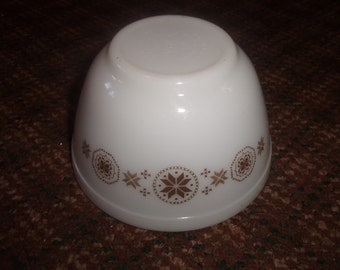 vintage pyrex small mixing nesting bowl brown snowflakes 401