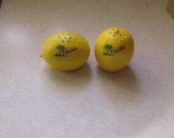 vintage pair salt pepper shakers set lemon souvenir florida