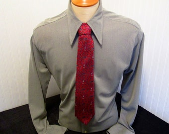 "70s 16 1/2"" Marcel of Paris Nylon Knit Big Collar Shirt Cement Gray & Boulevard Club Red Silk Tie"