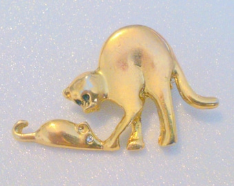 Vintage Gold Tone Cat and Mouse Brooch