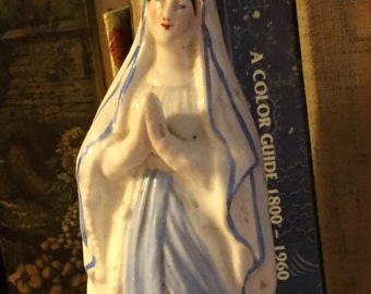 French Mary statue