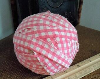 "Antique Vintage c1930 Hand made Rag Ball Pink Gingham Cotton Fabric Textile Homespun Primitive, +3"", 125 grams"