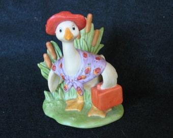 Hallmark Cards Inc. Traveling Goose W/Suitcase Figurine