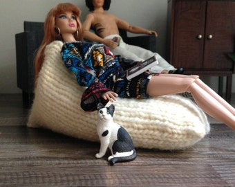 1:6 Scale Modern Chunky Knit Bean Bag For Fashion Doll Dioramas or Doll House