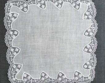 Vintage White Lace Handkerchief 1149