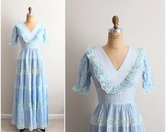 70s Mexican Wedding Dress / Lace crochet dress/ Vintage maxi dress/ Boho Festival Dress/ Metal zipper/ Size S/M