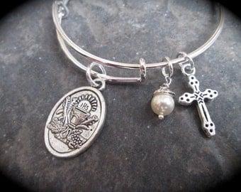 First Holy Communion bangle bracelet with child size adjustable bangle bracelet Swarovski Pearl and Cross Charms