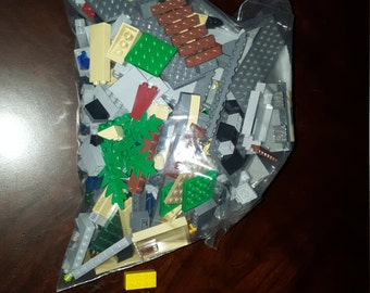 Lego Lot 2 Pounds, Castle themed,  Many Castle and Building Parts, Actual Legos for sale, Great Crafting Ideas.
