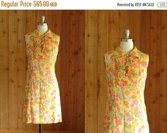 20% OFF FALL SALE / vintage 1960s dress / 60s mod floral print dress / L'Aiglon / small medium