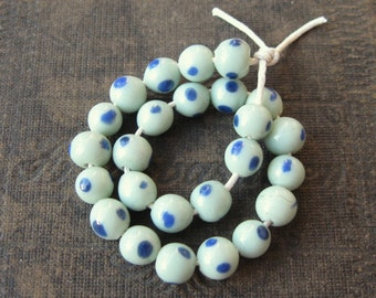 Pale Mint Green Glass with Blue Spots Lampwork Manik Beads from Indonesia 6-8mm (25)