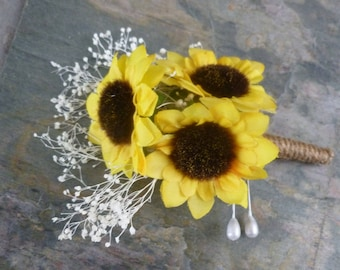 Sunflower boutonniere, button hole with baby's breath
