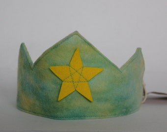 Waldorf Birthday Crown, Hand Dyed Green and Yellow  Wool Felt Crown with Yellow Star