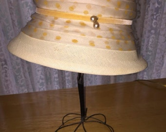 Cute Vintage Cream Colored Cloche Styled Hat