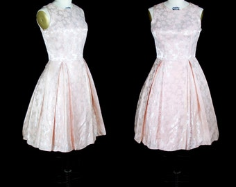 1950s Dress // Pink Rose Brocade Sleeveless Party Dress