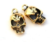 Golden Skull charms, Antique gold metal skull bead, Black Patina, Greek beads, 18mm, Lead Free - 2pc - F478
