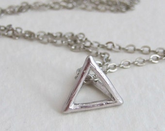 Silver Triangle Necklace .. modern geometric necklace, contemporary jewellery, silver necklace, pyramid, 3D