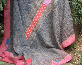 Pink/black Kantha Quilt ,Sari throw, Sari Blanket, Kantha Blanket,  Kantha Throw, Indian Quilt, Coverlet, Ralli Quilt,Kantha