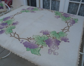 Vintage Small Square Tablecloth or Bridge Cloth// Applique and Embroidery//Home Decor//