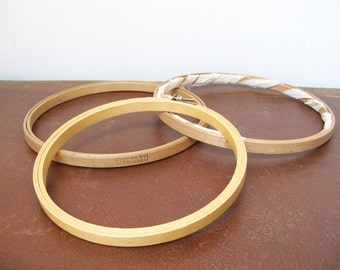 """Lot of 3 Wood EMBROIDERY HOOPS 6"""" and 7"""" Round Vintage Duchess USA Frame Hand Embroidery Antique Felt Lined"""